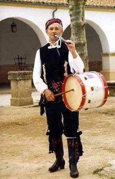 "Sebastián Luis ""El GUinda"" , tamborilero de La Alberca (Salamanca)"