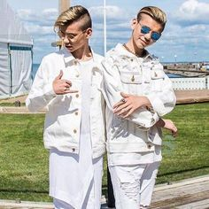 Marcus and Martinus First Kiss, Twins, Celebrities, Coat, Beautiful, Don't Forget, Harry Potter, Kawaii, Places