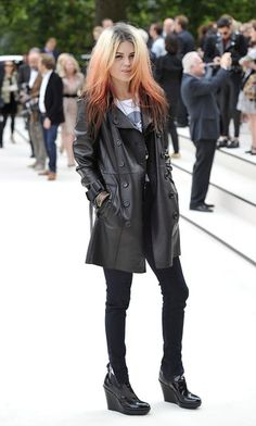 Alison Mosshart of The Kills. The Most Fashionable Female Musicians Making Music Right Now. #music #fashion