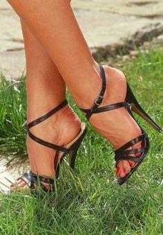 Black High Heel Sandals, Open Toe High Heels, Sexy Sandals, Hot High Heels, Ankle Strap Heels, Strap Sandals, Stripper Heels, Beautiful High Heels, Sexy Toes