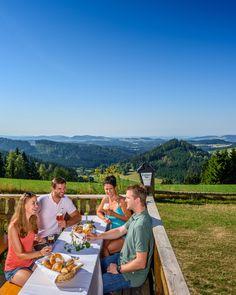 Grenzenloser #Biergenuss in der #BierWeltRegion #Mühlviertel. Alle Infos und #Urlaubsangebote unter www.bierweltregion.at ©OÖ. Tourismus/Hochhauser Austria, Dolores Park, Travel, Tourism, Beer, Viajes, Destinations, Traveling, Trips