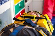 Medical Student Dislocates C-Spine Due to Overzealous Nodding - http://gomerblog.com/2016/05/nodding/?utm_source=PN&utm_campaign=DIRECT - #_Medical_Student