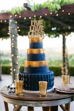 Wedding cake idea; Featured photographer: Milou and Olin Photography