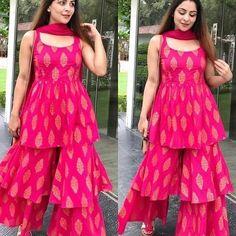 Sharara Designs, Lehenga Designs, Kurta Designs Women, Kurti Designs Party Wear, Party Wear Indian Dresses, Designer Party Wear Dresses, Indian Gowns Dresses, Dress Indian Style, Indian Fashion Dresses