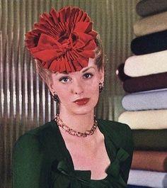 1943 tilt scrunch hat