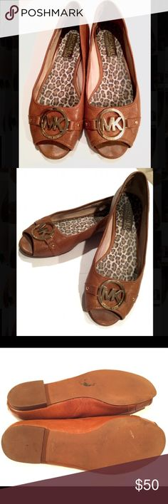 Michael Kors leather flats! 7 Very gently worn. Excellent condition! Beautiful classic designer & style! Michael Kors Shoes Flats & Loafers