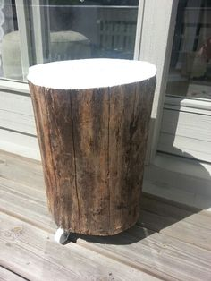 Wood log with wheels