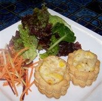 Tuna and corn vol au vent * Healthy Foods To Eat, Healthy Snacks, Healthy Eating, Healthy Recipes, Chicken Vol Au Vent, Pepperidge Farm Puff Pastry, Healthy Afternoon Snacks, Dinner Party Recipes, Appetisers