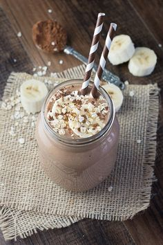 This coconut, banana & chocolate breakfast smoothie is a delicious and…
