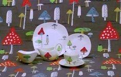The elusive Midwinter Toadstools … one design I've never had the joy of owning. So like the Kath Kidston 2013 design. 70s Kitchen, Vintage Kitchen, Vintage Pottery, Vintage Ceramic, Vintage China, Vintage Love, Pottery Patterns, 1950s Design, Modern Love