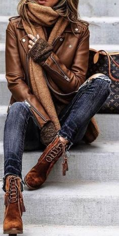 How To Style Jeans And Ankle Boots In The Fall Winter - Damen Mode Herbst/Winter - Fashion Outfits Fashion Casual, Look Fashion, Trendy Fashion, Winter Fashion, Fashion Outfits, Womens Fashion, Fashion Boots, Trendy Style, Fashion Ideas