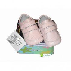 Estás buscando un regalo para una futura bebita?? Estos Deportivos para bebés en piel color rosa de Panyno son un regalo dulce que combinará con sus primeros looks ! Cuando crezca y los vea seguirán enamorándola!! Del 16 al 20
