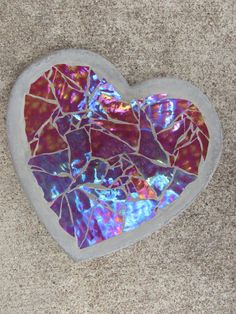 Items similar to Custom Stained Glass Stepping Stone Heart on Etsy Mosaic Stepping Stones, Stone Mosaic, Mosaic Glass, Glass Art, Mosaic Garden, Mosaic Art, Garden Art, Mosaic Projects, Projects To Try