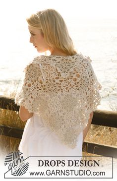 """free pattern - Lovely muted lacy shawl with a collar. DROPS shawl in """"Cotton Viscose"""" and """"Vivaldi."""""""