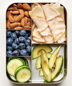 16 Simple Bento Box Lunch Ideas That Will Make A Low Carb Diet So Much Easier Turkey/cheddar roll-ups nuts berries avocado cucumber 16 Easy Bento Box Lunch Ideas For Anyone Avoiding Carbs No Carb Lunch, Lunch Meal Prep, Bento Box Lunch For Adults, Adult Lunch Box, Kids Bento Box, Lunch Ideas For Adults, Cheddar, Eat This, Think Food