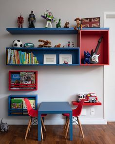 This airplane shaped kids' desk, has a playful design and it's perfect for an airplane room decor. Airplane Room Decor, Kids Room Shelves, Baby Deco, Toy Rooms, Room Pictures, Kids Decor, Home Decor, Baby Bedroom, Kid Spaces