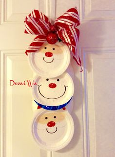 A paper christmas hanging craft designed by Demi Wu.