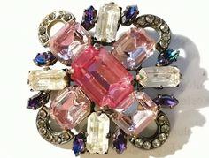 * * * Brosche aus Glas/Zirkonia * * * Bracelet Watch, Bracelets, Accessories, Fashion, Fashion Jewelry, Watches, Corning Glass, Moda, Fashion Styles