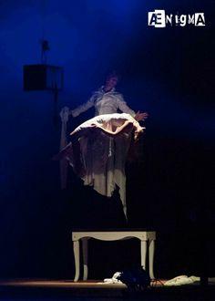 """Theater Costume by ArtEcò Creazioni di Annalisa Benedetti for """"ÆNIGMA"""" show with Antonio Casanova #artecocreazioni #annalisabenedetti #theatercostume #stylist #handmade #ænigma #antoniocasanova photo Giacomo Mozzi"""