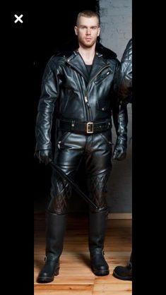 Butts Männer Outfit Schwarzes Leder Schwule Stiefel Jungs Lederhose