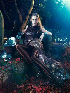 Italian Amica ~ Pre-Raphaelite by Absynth Photo , via Behance Fashion Shoot, Fashion Art, Editorial Fashion, High Fashion, Color Fashion, Style Fashion, Fashion Design, Fantasy Fashion, Bobby