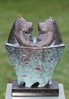 Animal Sculptures, Sculpture Art, Cute Hippo, Ceramic Animals, Expo, Garden Statues, Creative Inspiration, Garden Art, Art Inspo