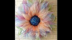 Poinsettia Wreath Tutorial by Trendy Tree - YouTube Deco Mesh Crafts, Wreath Crafts, Diy Wreath, Wreath Making, Mesh Ribbon Wreaths, Deco Mesh Wreaths, Burlap Wreaths, Burlap Flowers, Paper Flowers