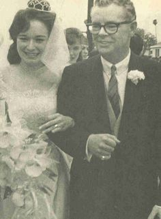 Peggy Lennon of The Lennon Sisters married fellow Lawrence Welk 'family' member Dick Cathcart in 1964 - they remained wed until his passing in 1993