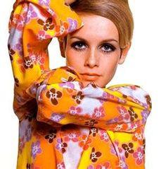 1970 Fashion. prints on shirt. - guess that explains the prints i still buy