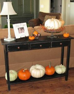 I want this table for my living room. Thanksgiving Decorations, Seasonal Decor, Halloween Decorations, Table Decorations, Autumn Decorations, Christmas Decor, Fall Crafts, Holiday Crafts, Holiday Fun