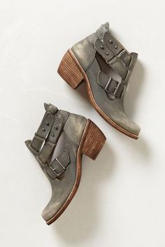 rustic gray booties. i'm i love!