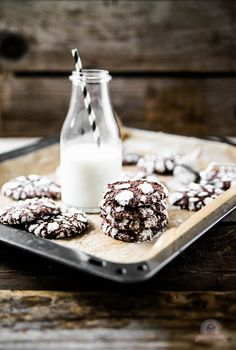 """Schokoholics aufgepasst - mit diesen feinen Chocolate Crinkles kommen alle """"Cookiel-Liebhaber"""" auf ihre Kosten."""