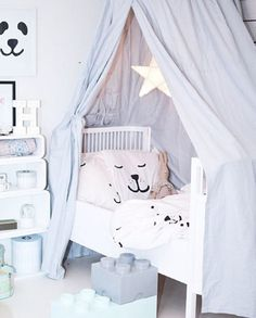 Lovely blue and white colors. Scandinavian Baby Room, Scandi Style, Home Look, Kids Room, Toddler Bed, White Colors, Furniture, Amanda, Art Deco