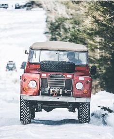 Land Rover (Series & Defenders) and more stuff I like.