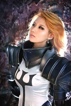 Tasha of Spiral Cats Team shows off her amazing cosplay for The Crusader, the new playable character introduced in Reaper of Souls, the Diablo III expansion. Jessica Nigri, Blizzard Diablo, Diablo Cosplay, Armadura Cosplay, Cosplay Characters, Diablo Characters, Witch Doctor, Best Cosplay, Awesome Cosplay