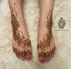 Mehndi By Naaz I am a selftaught henna artist based in Leicester. Specialising in bridal henna and bespoke henna decorated items. Henna Tattoo Designs Simple, Mehndi Designs Feet, Indian Mehndi Designs, Modern Mehndi Designs, Wedding Mehndi Designs, Wedding Henna, Bridal Henna, Henna Ankle, Leg Henna