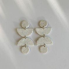 Diy Clay Earrings, Boho Earrings, Etsy Earrings, Clay Jewelry, Statement Earrings, Minimalist Earrings, Handmade Polymer Clay, Diy Stuff, Palm