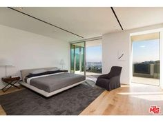 1853 Sunset Plaza Drive Los Angeles, CA 90069 |Roger Perry| (310) 724-7100 | Rodeo Realty, Inc.