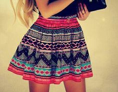 Such a cute skirt i love the colors