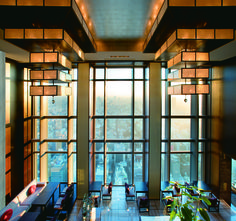 View our Nihonbashi hotel photo gallery to explore the luxury rooms, suites, meeting and wedding facilities and more at Mandarin Oriental, Tokyo. Mandarin Oriental, Oriental East, Hotels And Resorts, Best Hotels, Amazing Hotels, Luxury Resorts, Amazing Places, Restaurants, Arquitetura