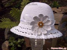 Великолепная шляпка с хлопка для девочки связанная крючком.есть все схемки и мастер-класс.