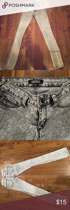 Forever 21 Acid Wash Jeans Lightly worn acid washed jeans Forever 21 Jeans Skinny