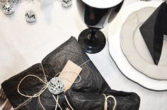 NEW YEAR TABLE SETTING // OY! blog