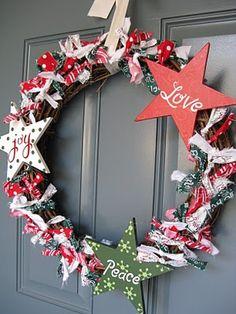 tutorial for this and valentines wreath link to post:http://adiamondinthestuff.blogspot.com/2010/12/my-christmas-wreath.html