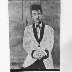 locaswann/2016/11/25 06:59:45/Portrait d'il y a un moment déjà, re-modifié ce soir  #portrait #drawing #alexturner #blackandwhite #crayonblanc #parfoisjetestedestrucs #musicalhero