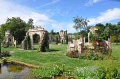 The Old Manor House Garden - Capel Manor - Redwood Stone
