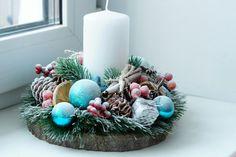 Christmas Gift Box, All Things Christmas, Christmas Wreaths, Christmas Crafts, Xmas, Handmade Christmas Decorations, Christmas Centerpieces, Holiday Decor, Topiary