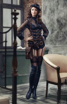 Steampunk its more than an aesthetic style, it's the longing for the past that never was. In Steampunk Girls we display professional pictures, and illustrations of Steampunk, Dieselpunk and other anachronistic 'punks. Some cosplay too! Moda Steampunk, Gothic Steampunk, Couture Steampunk, Chat Steampunk, Steampunk Outfits, Style Steampunk, Steampunk Cosplay, Steampunk Clothing, Steampunk Lingerie