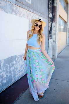 Floral Maxi Skirt - Dash of Darling Quirky Fashion, Fashion 101, Couture Fashion, Fashion Beauty, Casual Work Outfits, Cute Outfits, Dress Alterations, Just Girly Things, Spring Summer Fashion