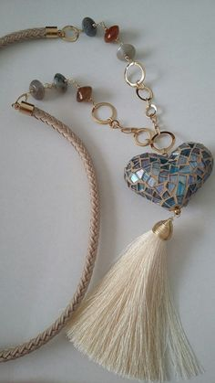 Collar largo de Creaciones Little Flower. Bisutería fina 100% artesanal. #handmadejewelry